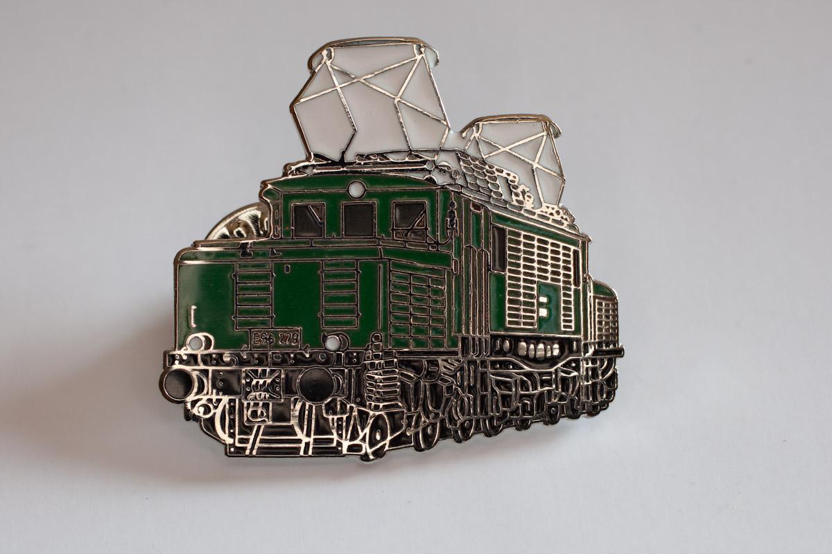 Handlackierter Ansteckpin Motiv E 94 279  grün